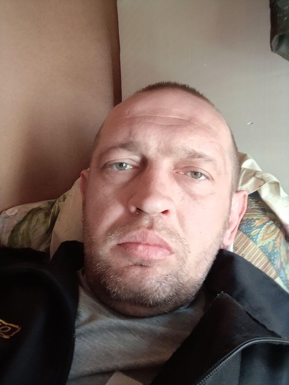 Знакомства Тула, фото мужчины Санёк, 39 лет, познакомится для флирта, любви и романтики