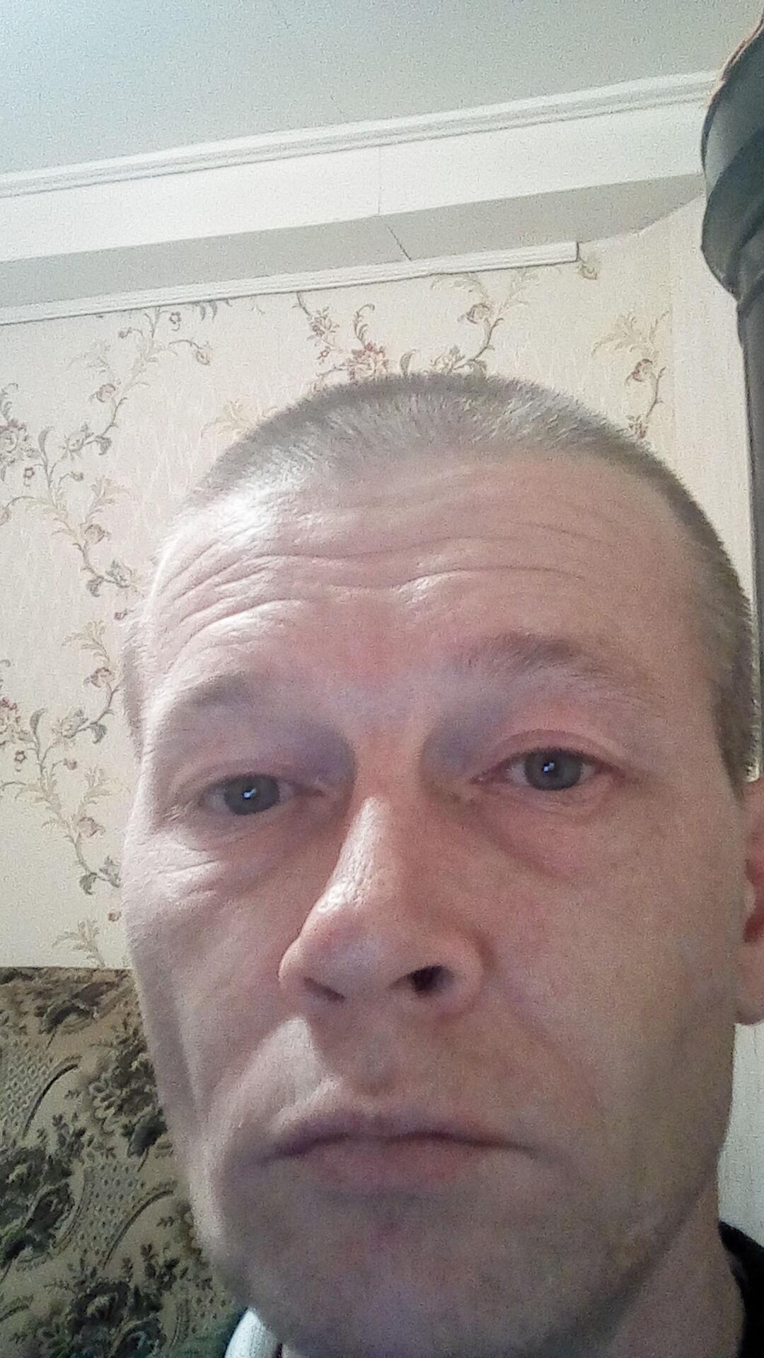 Знакомства Великий Новгород, фото мужчины Андрей, 43 года, познакомится для любви и романтики, cерьезных отношений, переписки