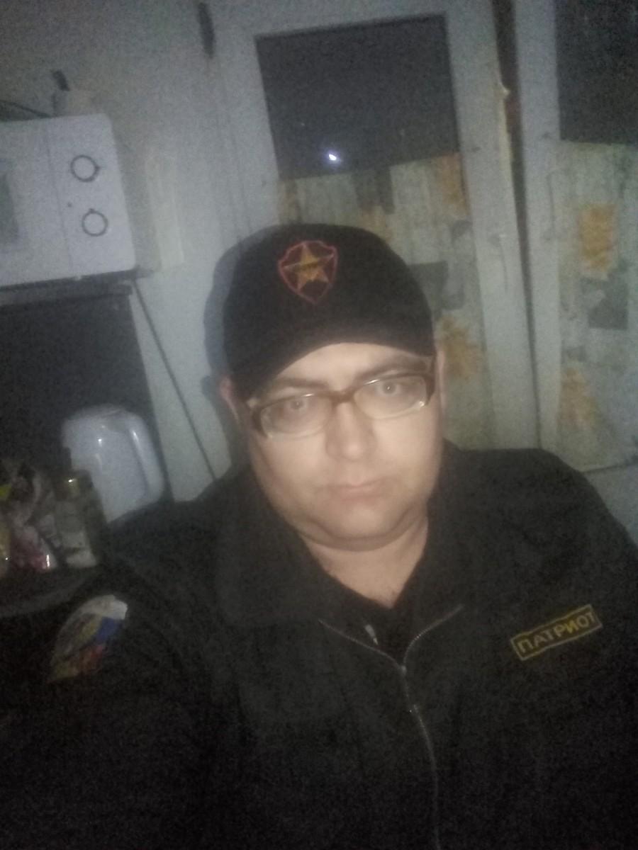 Знакомства Гвардейск, фото мужчины Георгий, 31 год, познакомится для флирта, любви и романтики, cерьезных отношений