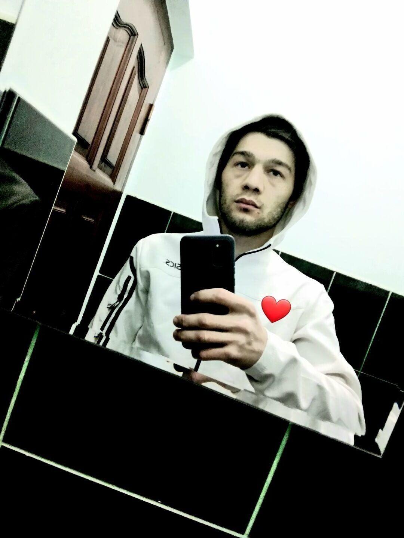 Знакомства Адлер, фото парня Ислам, 22 года, познакомится для флирта, любви и романтики