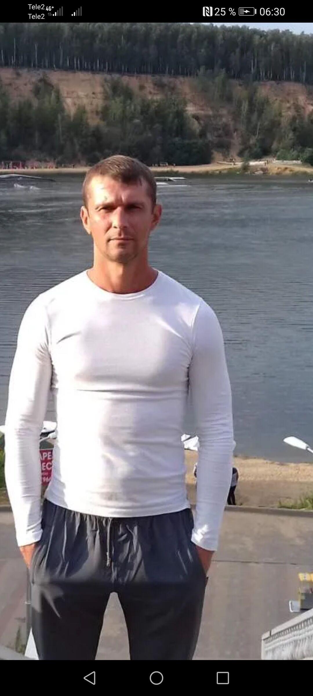 Знакомства Каменск-Шахтинский, фото мужчины Александр, 41 год, познакомится для cерьезных отношений