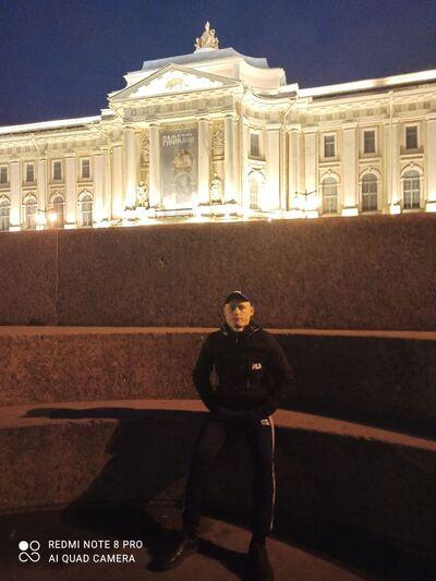 Знакомства Санкт-Петербург, фото мужчины Петр, 28 лет, познакомится для флирта, любви и романтики