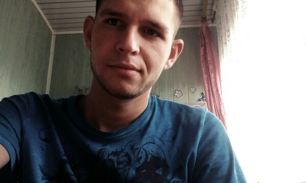Знакомства Ялта, фото мужчины Валерчик, 27 лет, познакомится для флирта, любви и романтики, cерьезных отношений