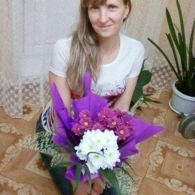 Знакомства Нижнекамск, фото девушки Людмила, 42 года, познакомится для флирта, любви и романтики, cерьезных отношений